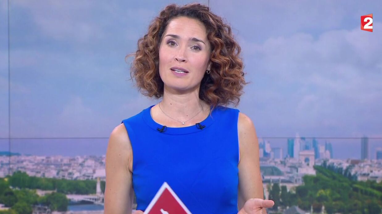 VIDEO David Puja­das viré du 20H : sa collègue Marie-Sophie Lacar­rau le soutient en direct dans son JT