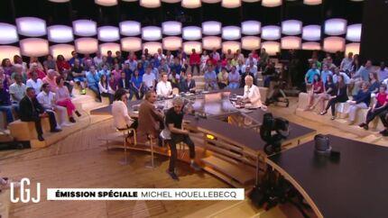 VIDEO Malaise au Grand Journal: un invité quitte le plateau en pleine émission
