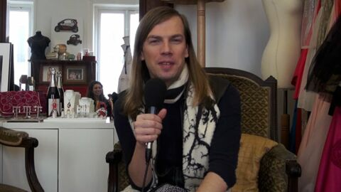 VIDEO Christophe Guillarmé a volé au secours de Julie Gayet lors d'un dîner princier au Maroc