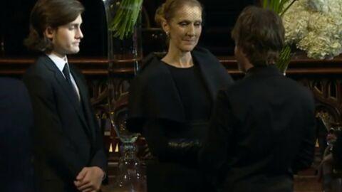 VIDEO Céline Dion émue et digne pour recevoir les hommages à René lors de la chapelle ardente