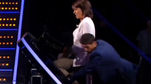 VIDEO Christophe Beaugrand chute sur le plateau de La France passe le test