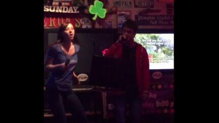 VIDEO Daniel Radcliffe se prend pour Eminem dans un karaoké