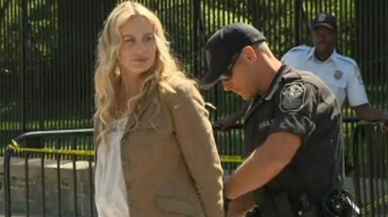VIDEO Daryl Hannah arrêtée par la police devant la Maison Blanche