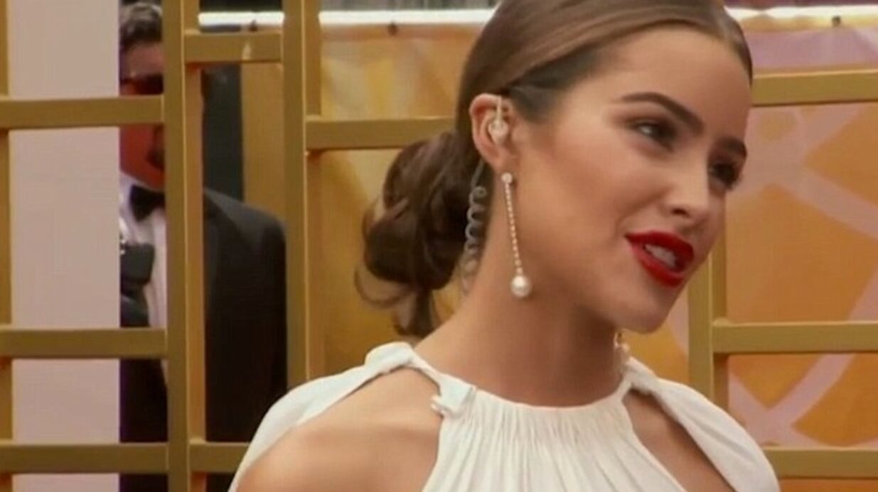 VIDEO Emmy Awards 2015 : Olivia Culpo fait un malaise sur le tapis rouge