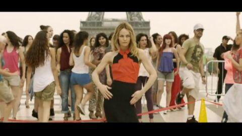 VIDEO Isabelle Adjani et Vanessa Paradis soulèvent leurs jupes
