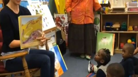 Jennifer Garner joue à la maîtresse d'école (VIDEO)