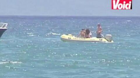 VIDEO Justin Bieber s'envoie en l'air à la plage avec Selena