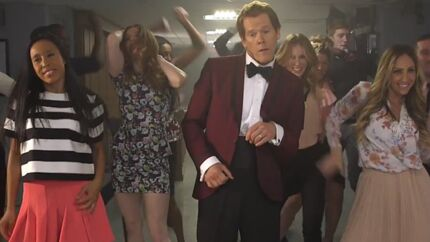 VIDEO Kevin Bacon fait renaître Footloose
