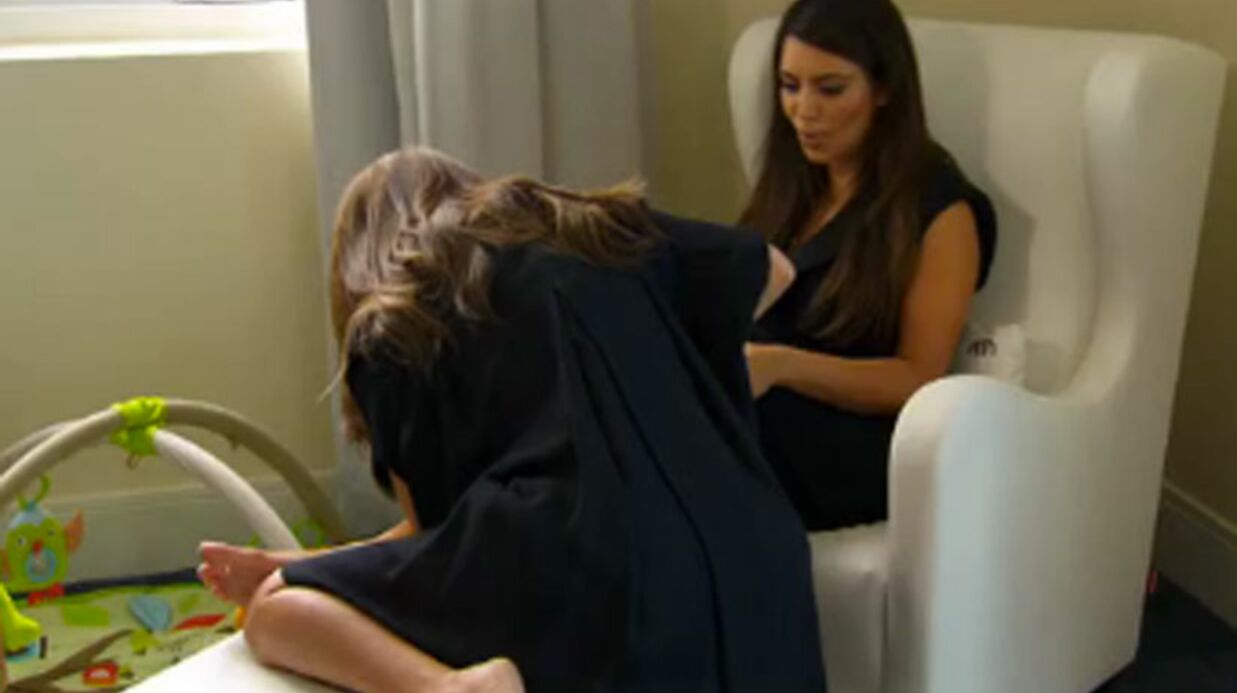 VIDEO: Kourtney Kardashian offre son lait pour soigner sa sœur Kim