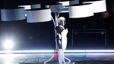 VIDEO Lady Gaga vole dans les airs pour la promo d'Artpop