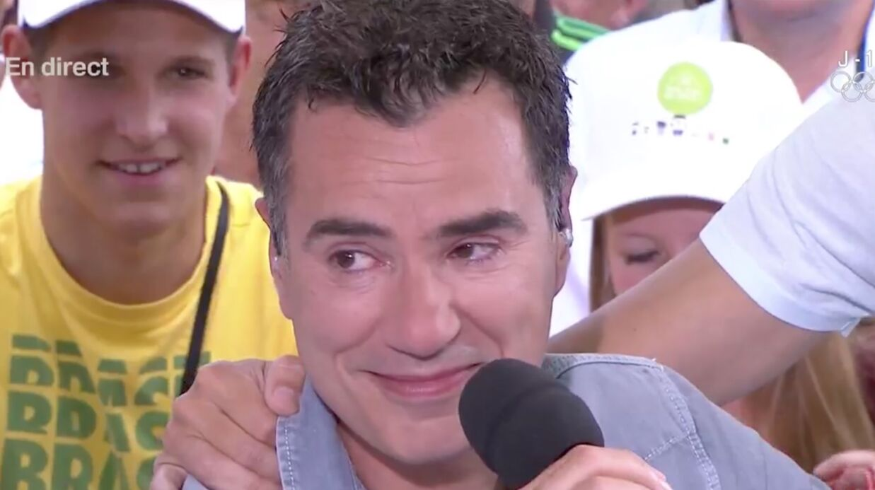 VIDEO Laurent Luyat en larmes après un appel en direct de sa mère