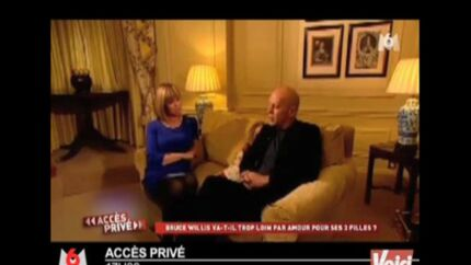 VIDEO Le Zap Voici buzze la télévision: 18 mai 2011