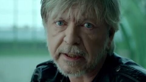 VIDEO Renaud «toujours debout» dans son nouveau clip tourné au Grand Palais