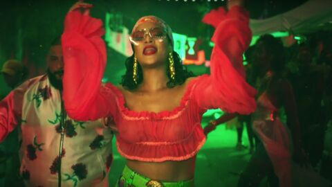 VIDEO Rihanna en tops totalement transparents dans le clip de son tube de l'été