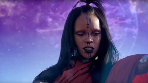 VIDEO Rihanna joue les princesses tribales dans le clip de Sledgehammer