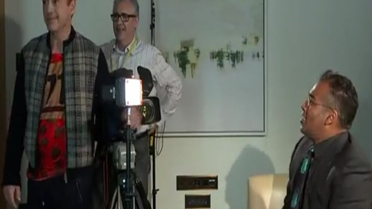 VIDEO Agacé, Robert Downey Jr. interrompt une interview