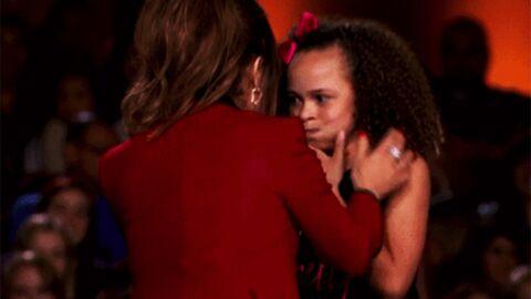 VIDEO Une participante à un concours de danse vomit sur Paula Abdul en direct à la télé
