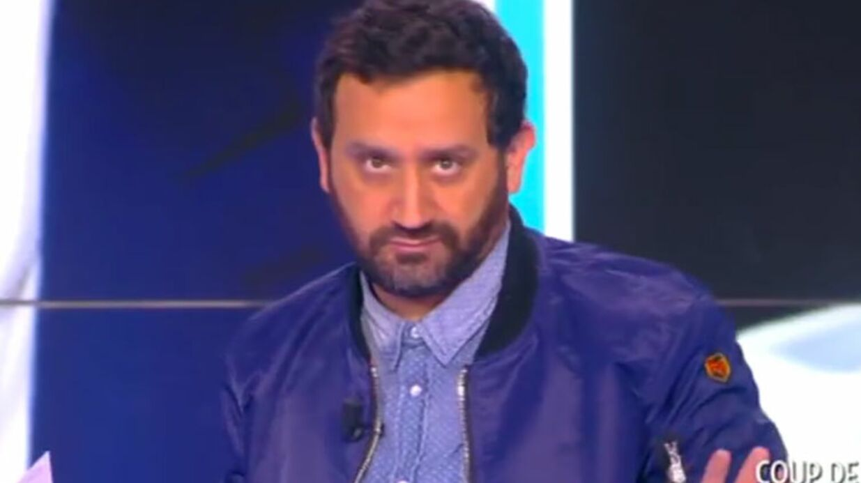 VIDEO Cyril Hanouna reçoit en direct un SMS de sa compagne qui le croit encore à Las Vegas