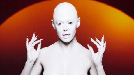 VIDEO Rose McGowan seins nus pour son premier clip en tant que chanteuse