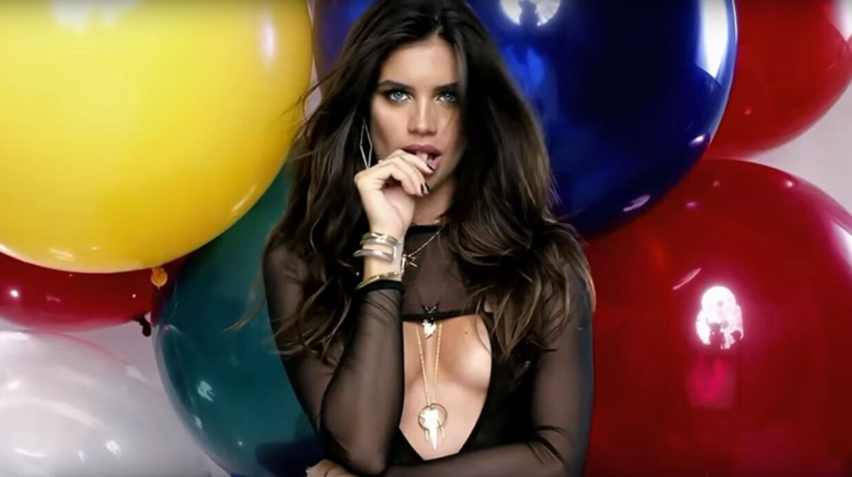 VIDEO Sara Sampaio, est la star TRÈS SEXY du jour du calen­drier LOVE !