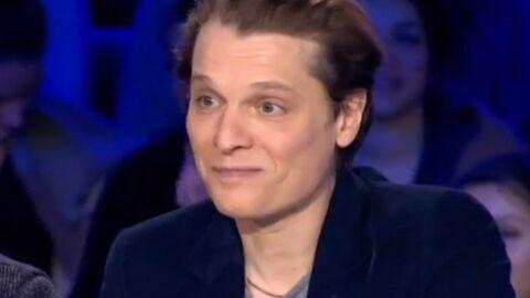 VIDEO Yann Moix accueille Bénabar dans On n'est pas couché en l'attaquant