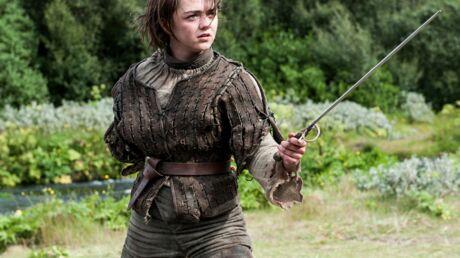 Maisie Williams: Arya Stark dans la série s'attaque aux lecteurs de Game of Thrones
