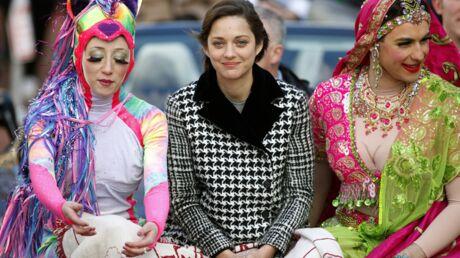 DIAPO Marion Cotillard embarquée dans une cérémonie délirante