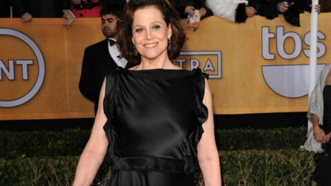PHOTOS Sigourney Weaver a mis sa robe à l'envers aux SAG Awards