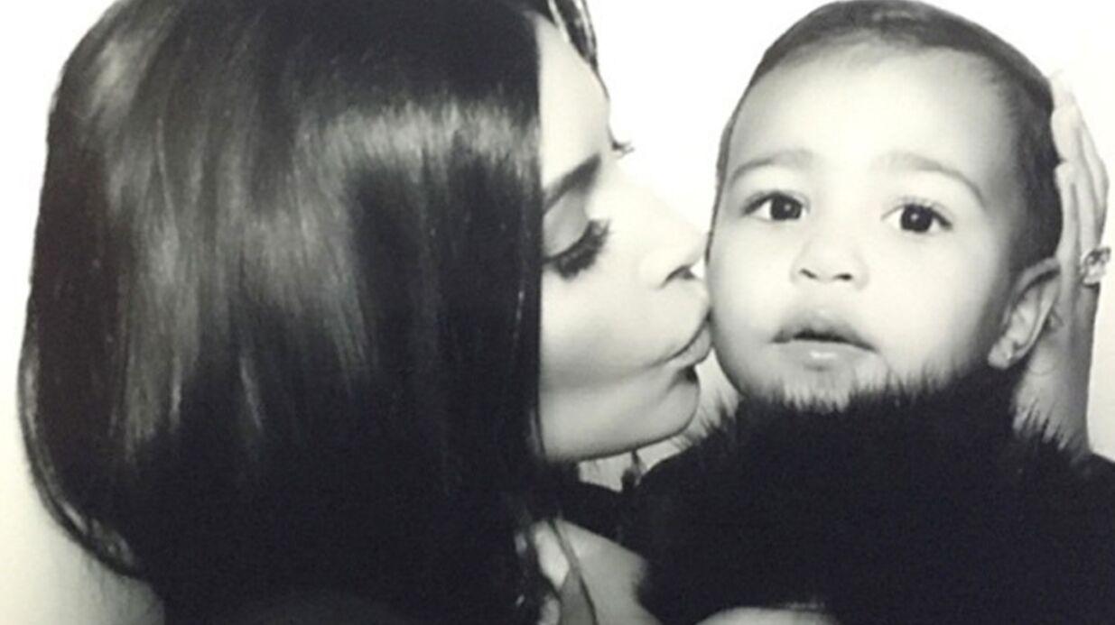 PHOTOS Kim Kardashian pense que sa fille en a marre d'être prise en photo
