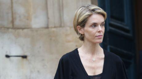 Julie Andrieu sobre et digne aux obsèques de sa mère Nicole Courcel