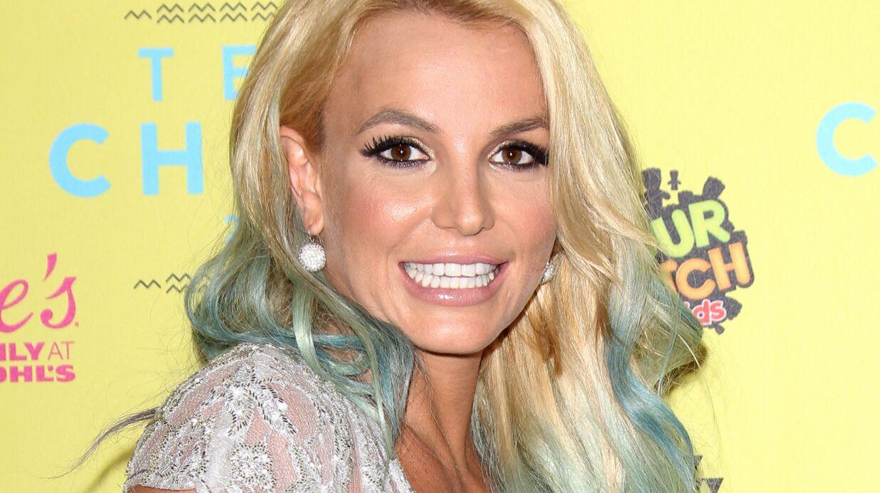 PHOTO Britney Spears difficilement reconnaissable en une de V Magazine