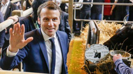 VIDEO Emmanuel Macron prend un œuf en pleine tête au salon de l'agriculture