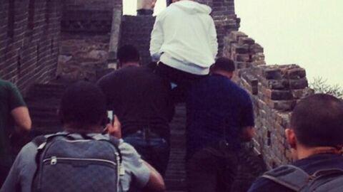 PHOTOS Justin Bieber malmène ses gardes du corps en Chine