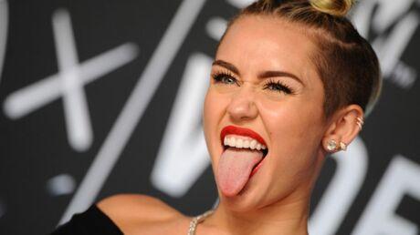 DIAPO Miley Cyrus ou le syndrome de la langue tirée