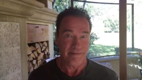 VIDEO Arnold Schwarzenegger propose à Donald Trump d'échanger leur job
