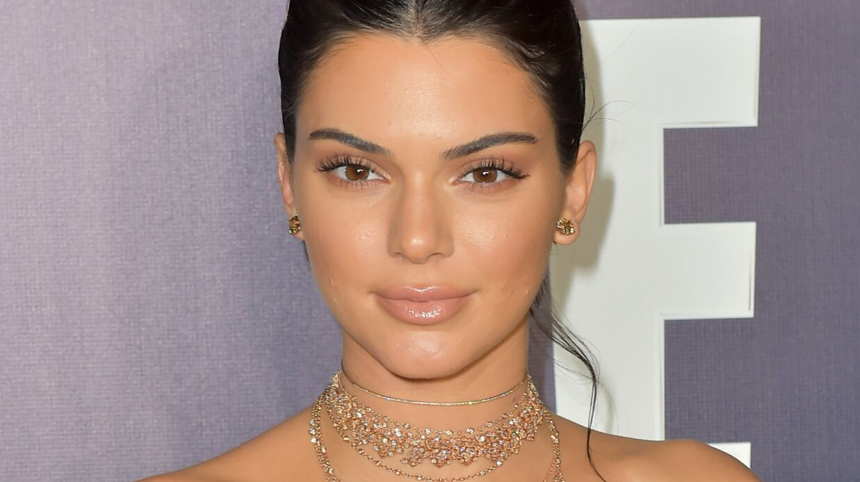 PHOTO Kendall Jenner affiche sa poitrine dans un soutien-gorge transparent