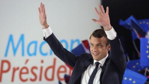 Pourquoi Emmanuel Macron porte-t-il une alliance à chaque annulaire?