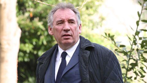 François Bayrou perd son portable et contacte la police: on lui rit au nez