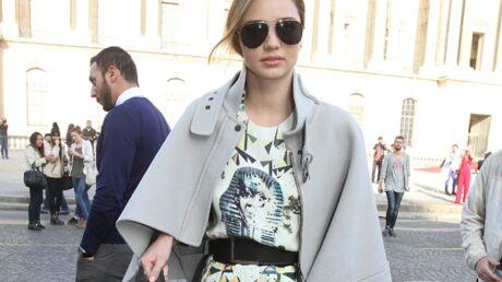 DIAPO Miranda Kerr refoulée à l'entrée du défilé Louis Vuitton