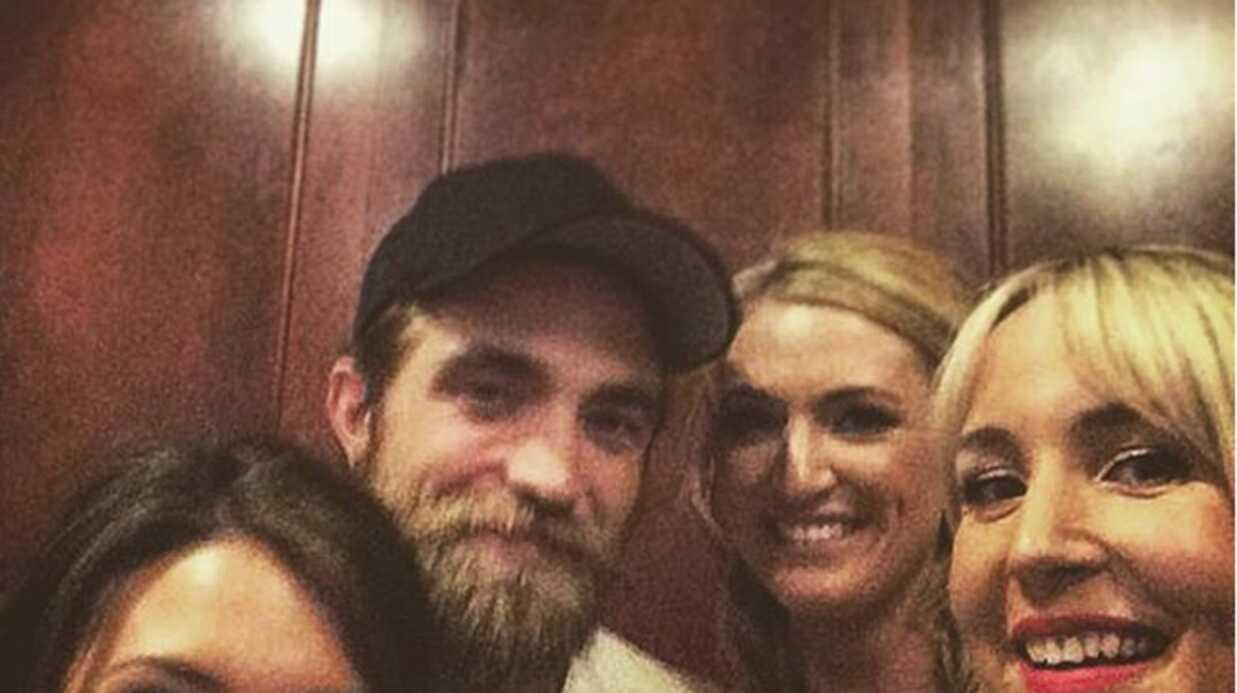 PHOTOS Robert Pattinson invité surprise d'un mariage d'anonymes