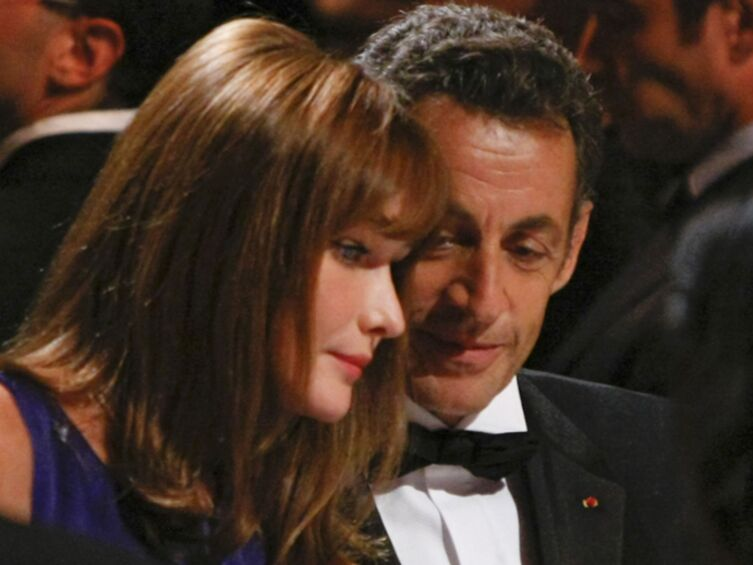 carla bruni devinez ce qui lui pla t chez nicolas sarkozy voici. Black Bedroom Furniture Sets. Home Design Ideas