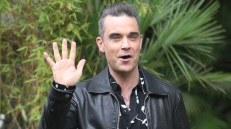 VIDEO Robbie Williams: épinglé pour son attitude avec ses fans, il préfère en rire