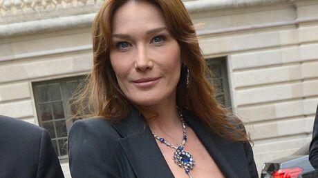 DIAPO Carla Bruni couverte de bijoux pour la soirée Bulgari