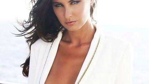 PHOTO Malika Ménard très sexy avec sa veste blanche (et rien en dessous)