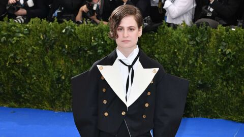 Christine and the Queens s'est incrustée sur des photos de stars au gala du MET, c'est hilarant