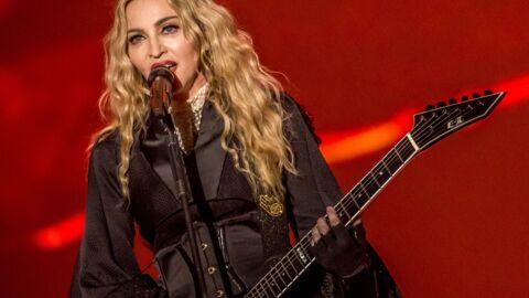 PHOTO Madonna joue la dresseuse de chevaux… topless