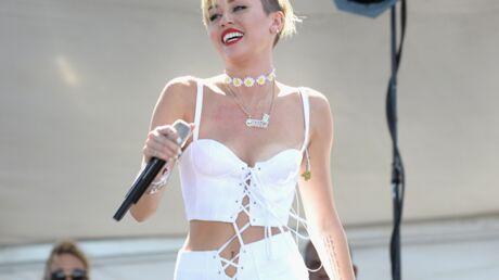 Miley Cyrus voulait aller sur scène seins nus aux MTV VMA