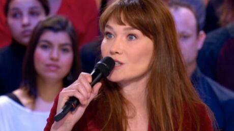 Carla Bruni mal à l'aise face aux images de la passation de pouvoir de son mari