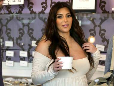 Kim Kardashian cède à ses fringales de femme enceinte