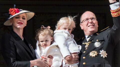 PHOTOS Albert II et Charlène de Monaco font découvrir le village de Noël à leurs jumeaux